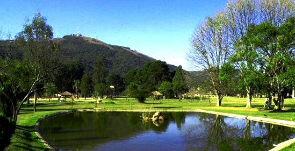 Parque Municipal:  local de rara beleza , onde acontecem os jogos das categorias Sub-9 e Sub-11 , em campo society